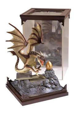 Harry Potter Magical Creatures Soška Hungarian Horntail 19 cm Noble Collection