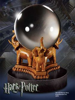 Harry Potter Replika The Divination Crystal Ball 13 cm Noble Collection