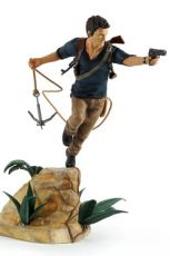 Uncharted 4 A Thief's End PVC Soška Nathan Drake 30 cm