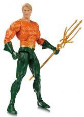 DC Essentials Akční Figure Aquaman 17 cm