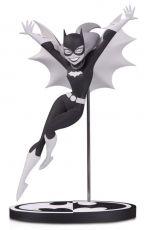 Batman Black & White Soška Batgirl by Bruce Timm 18 cm
