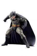 DC Comics ARTFX+ PVC Soška 1/10 Batman (Batman: Hush) 16 cm
