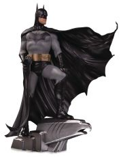 DC Designer Series Soška 1/6 Batman by Alex Ross Deluxe 35 cm