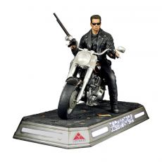 Terminator 2: Judgment Day Soška 1/4 T-800 on Motorcycle Signature Edition 50 cm