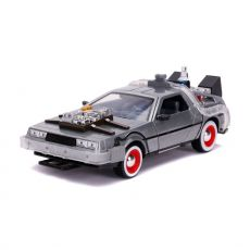 Back to the Future III Hollywood Rides Kov. Model 1/24 DeLorean Time Machine