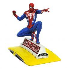 Spider-Man 2018 Marvel Video Game Gallery PVC Soška Spider-Man on Taxi 23 cm